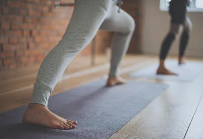 Una posizione di Yoga in movimento