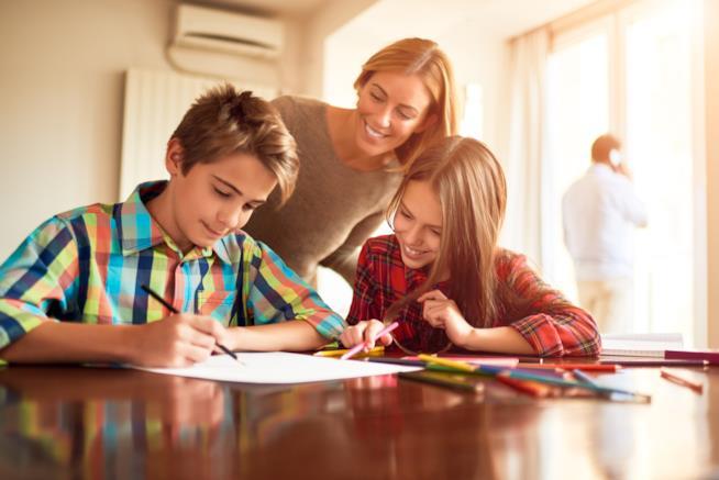 Famiglia fa i compiti