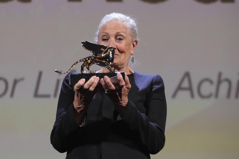 Vanessa Redgrave con il Leone d'Oro alla carriera a Venezia 75