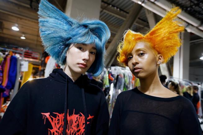 Modelle nel backstage della New York Fashion Week