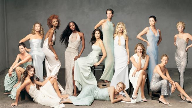 Amber Valletta con altre celebri colleghe su Vogue America