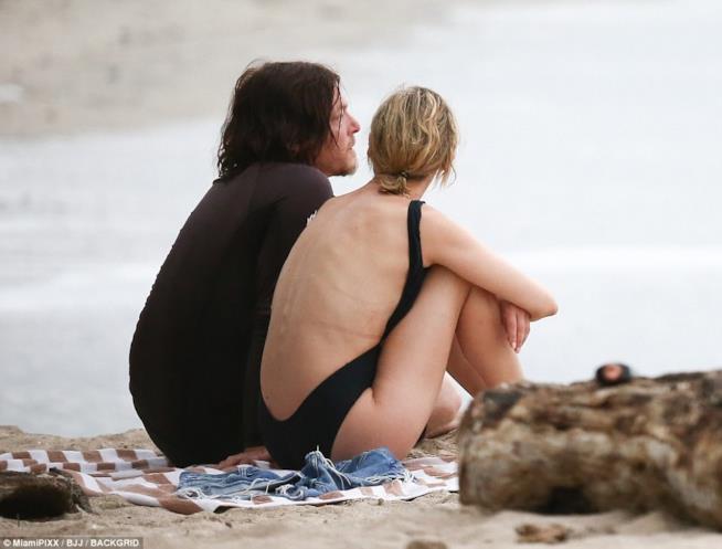 Sguardi rivolti all'orizzonte per Diane Kruger e Norman Reedus