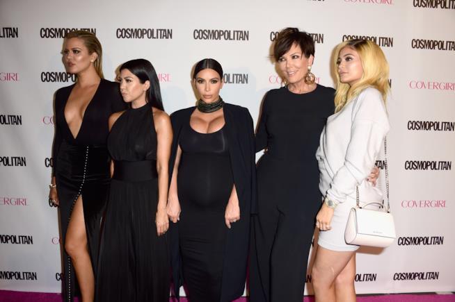 Kris Jenner con le figlie Khloé, Kourtney, Kim e Kylie