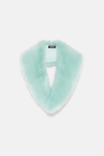 Sciarpa in pelliccia sintetica azzurra