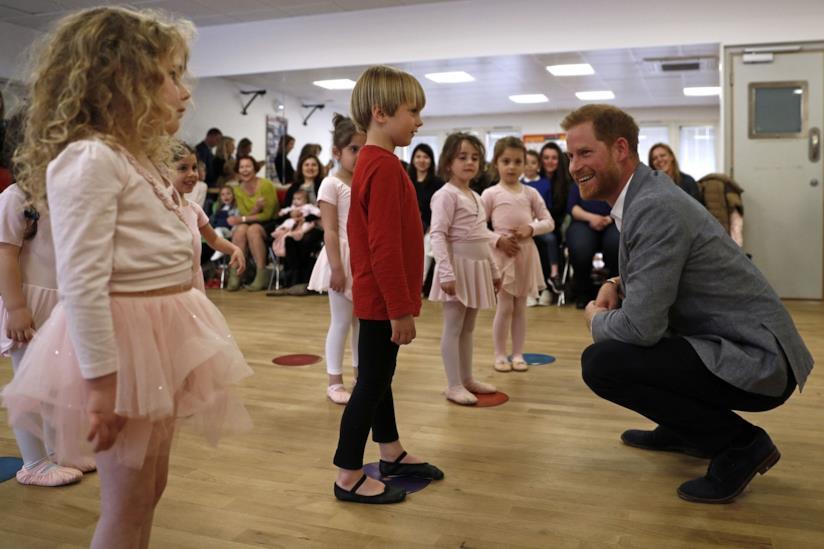 Il Principe Harry a scuola di danza classica