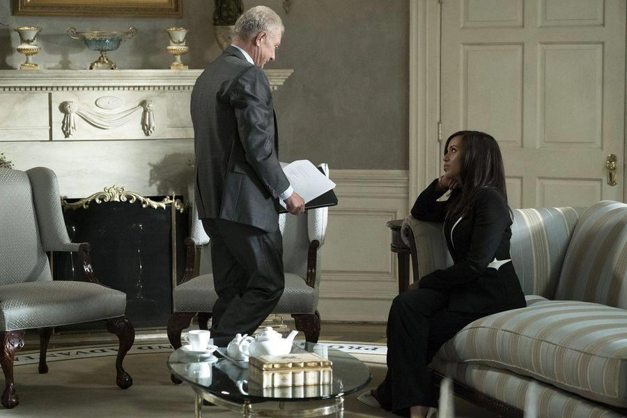 Jeff Perry e Kerry Washington nella stanza ovale