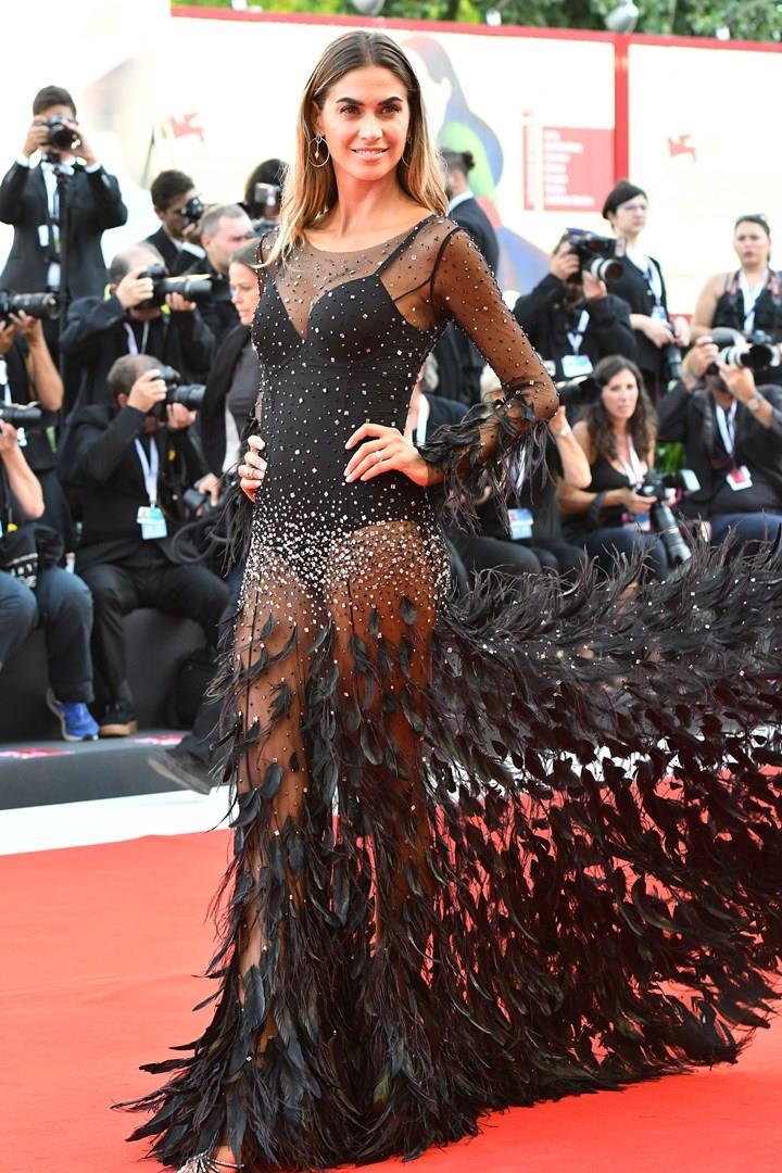 Melissa Satta sul red carpet di Venezia 75