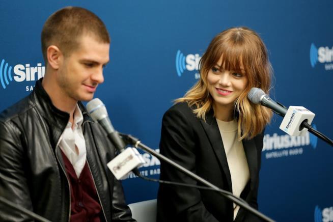 Emma Stone e Andrew Garfield, sorrisi e sguardi d'intesa