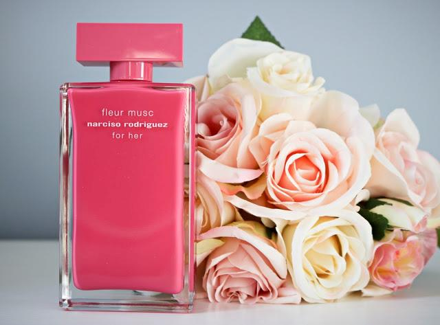 Confezione in fucsia per il profumo Fleur Musc di Narciso Rodriguez