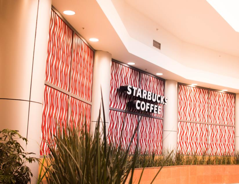 Un locale Starbucks