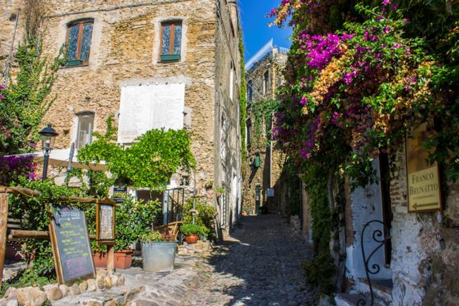 Bussana Vecchia, Liguria