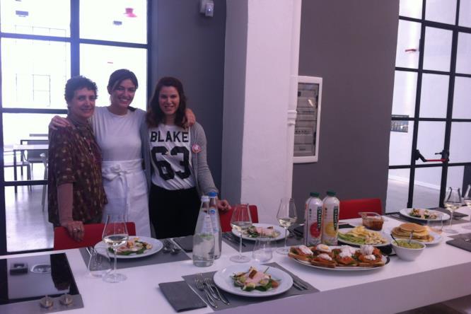 Un'ultima foto con Chiara Maci per la vincitrice e la sua accompagnatrice
