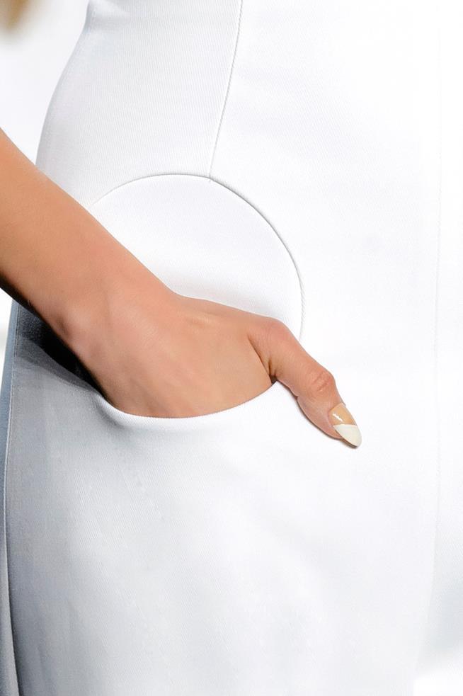 Nail art french con unghie a mandorla