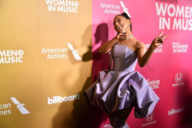 Ariana Grande torna in vetta alla classifica americana dei singoli