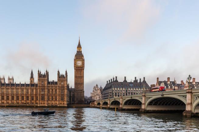 Panorama di Londra con Big Ben in una mattina d'inverno