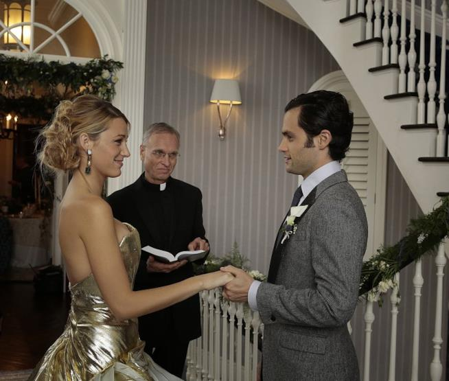 Dan e Serena si stringono le mani pronti a sposarsi