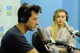 Il duetto di Mark Ronson e Miley Cyrus fra le canzoni del momento più ascoltate nella classifica UK