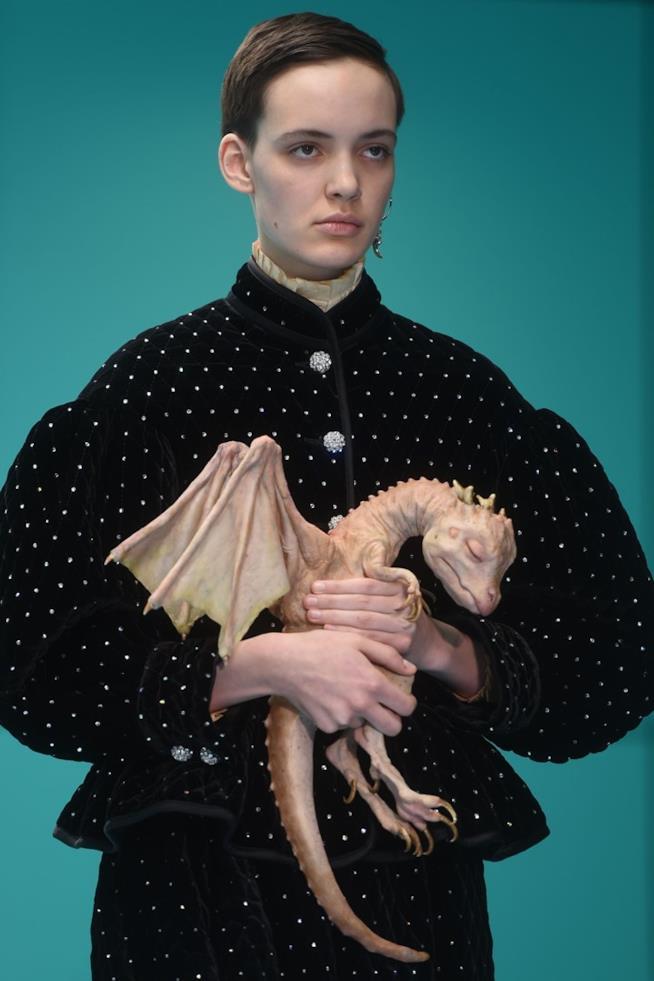 Il cucciolo di Drago Gucci alla Milano Fashion Week