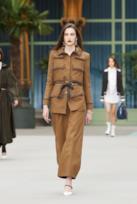 Sfilata CHANEL Collezione Donna Primavera Estate 2020 Parigi - CHANEL Resort PO RS20 0008