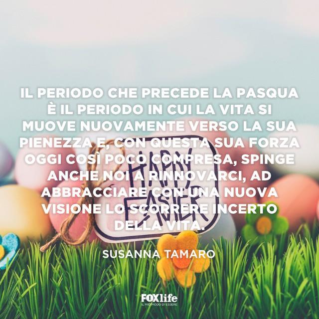 Uova di Pasqua con messaggio di auguri