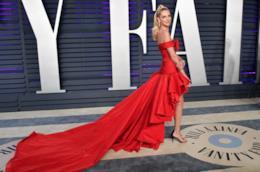Chiara Ferragni in abito rosso al Vanity Fair Oscar Party
