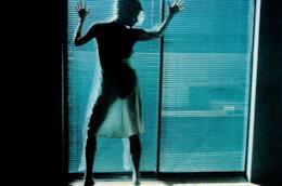 Kim Basinger sperimenta le fantasie sessuali con Mickey Rourke in 9 settimane e 1/2