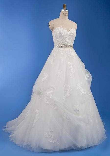 L'abito da sposa dedicato alla Principessa Belle