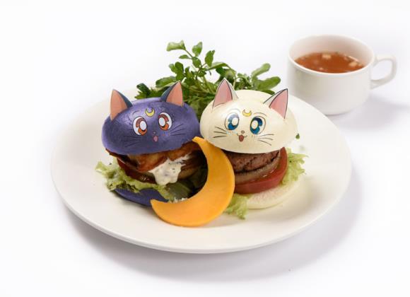 Due hamburger a tema Sailor Moon