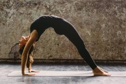 Un esercizio di yoga
