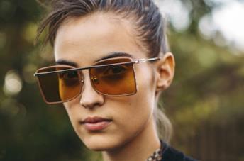 Occhiali da sole: come sceglierli in base al viso