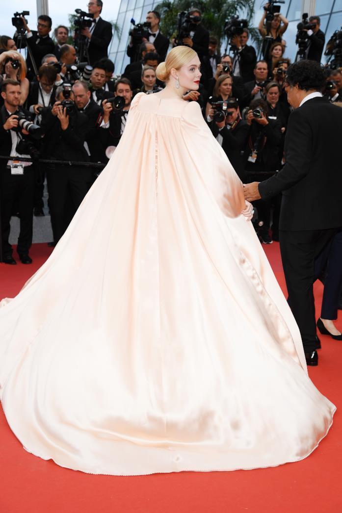 Elle Fanning e il retro dell'abito a Cannes