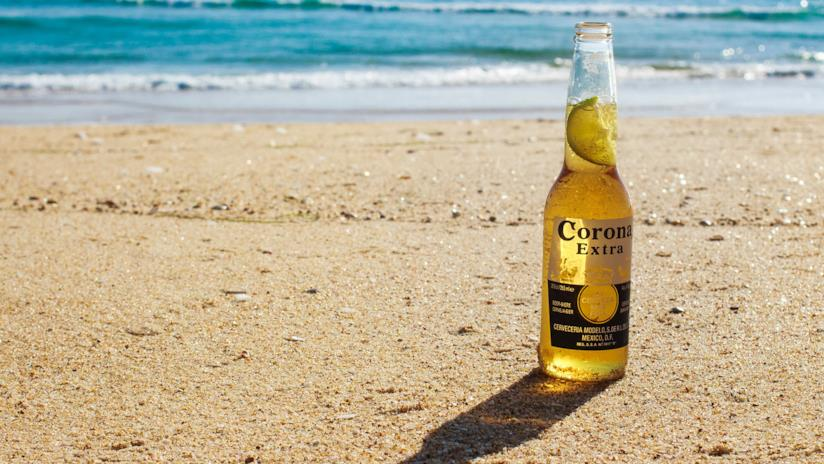 Frutta, pranzi e birra fresca: le migliori borse frigo per il mare