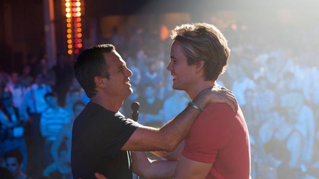 Ruffalo e Bomer in una immagine dal film The Normal Heart su HIV e omosessualità
