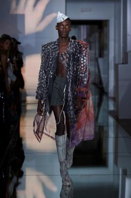 Sfilata MAISON MARGIELA Collezione Alta moda Autunno Inverno 19/20 Parigi - Margiela PO HC RF19 0030