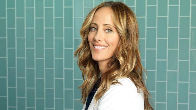 Kim Raver è Teddy Altman in Grey's Anatomy