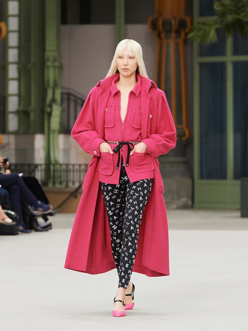 Sfilata CHANEL Collezione Donna Primavera Estate 2020 Parigi - CHANEL Resort PO RS20 0021
