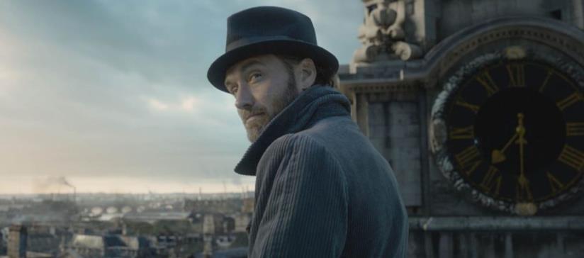Una foto di Jude Law nei panni di Albus Silente