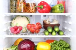 frigo pieno di alimenti