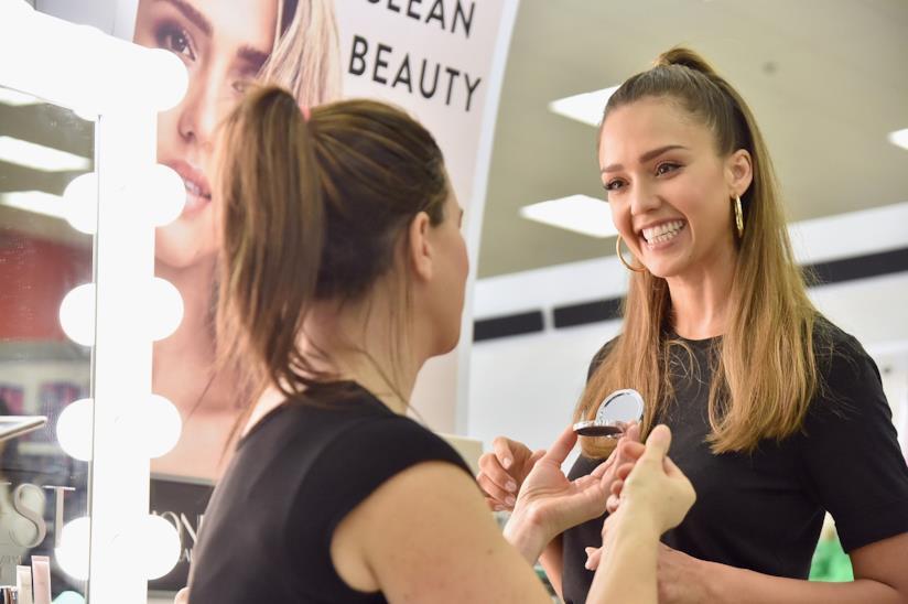 Jessica Alba e il suo marchio Honest Beauty