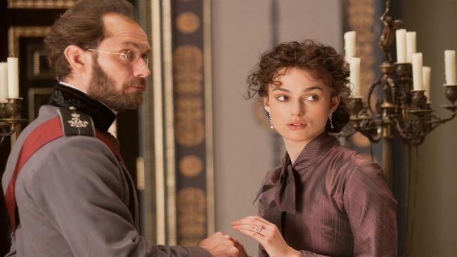 Keira Knightley e Jude Law nel film Anna Karenina del 2013