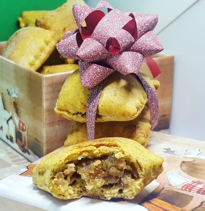 Scatola regalo con biscotti