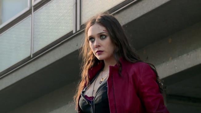 Una foto di Elizabeth Olsen nel ruolo di Scarlet Witch
