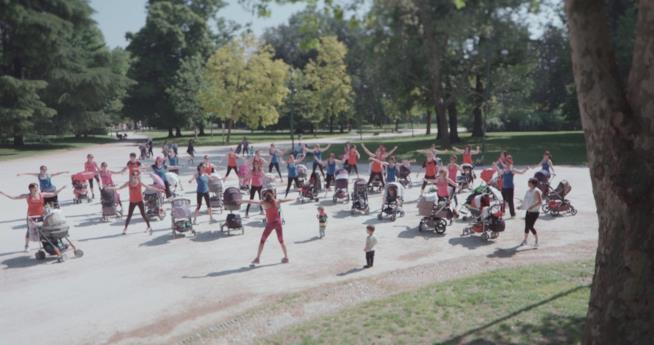 Una scena tratta dal documentario Normal di Adele Tulli