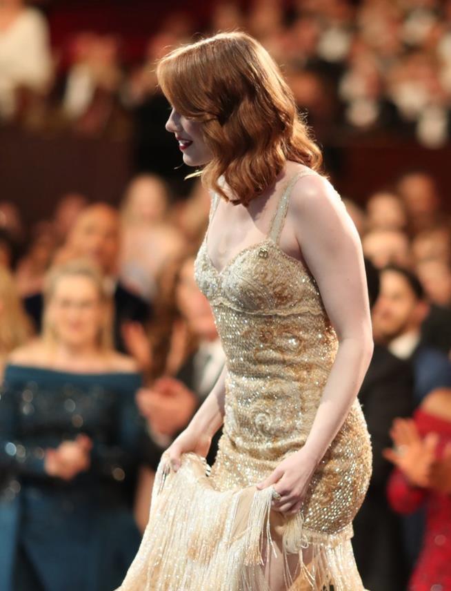 Emma Stone in abito di pailletes