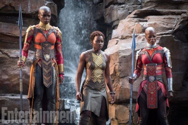 Danai Gurira, Lupita Nyong'o e Florence Kasumb in Black panther