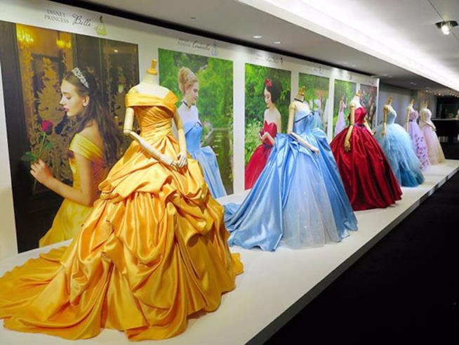 Gli abiti di Belle, Cenerentola, Biancaneve, Ariel, Rapunzel e Aurora