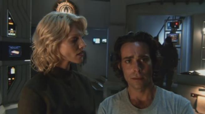 La donna robot Caprica Six della serie tv Battlestar Galactica