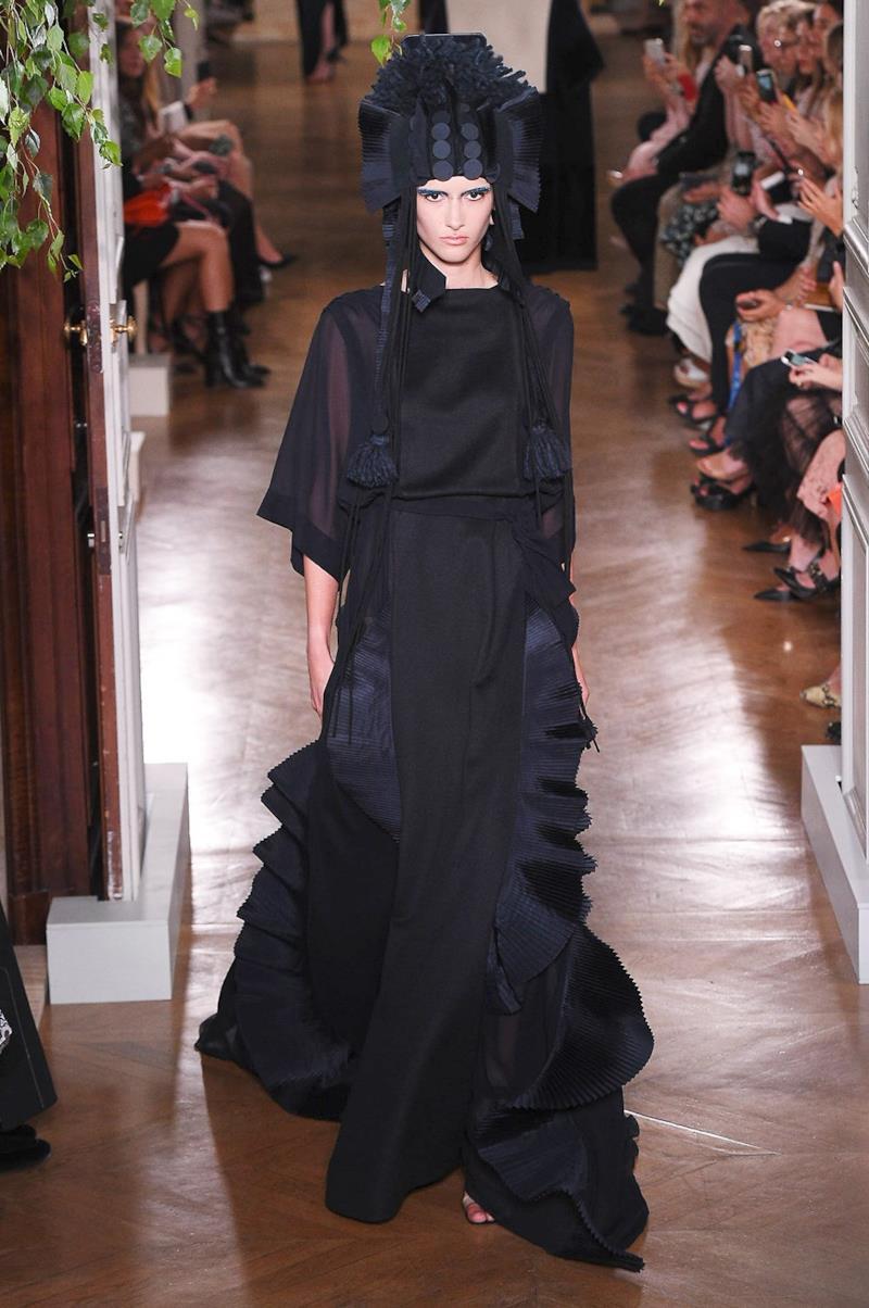 Sfilata VALENTINO Collezione Alta moda Autunno Inverno 19/20 Parigi - ISI_3558