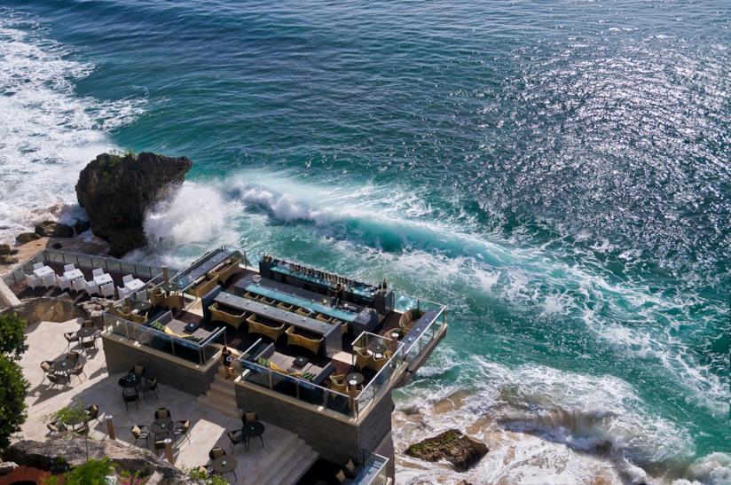 10 bar più particolari  mondo: Rock Bar, Bali, Indonesia
