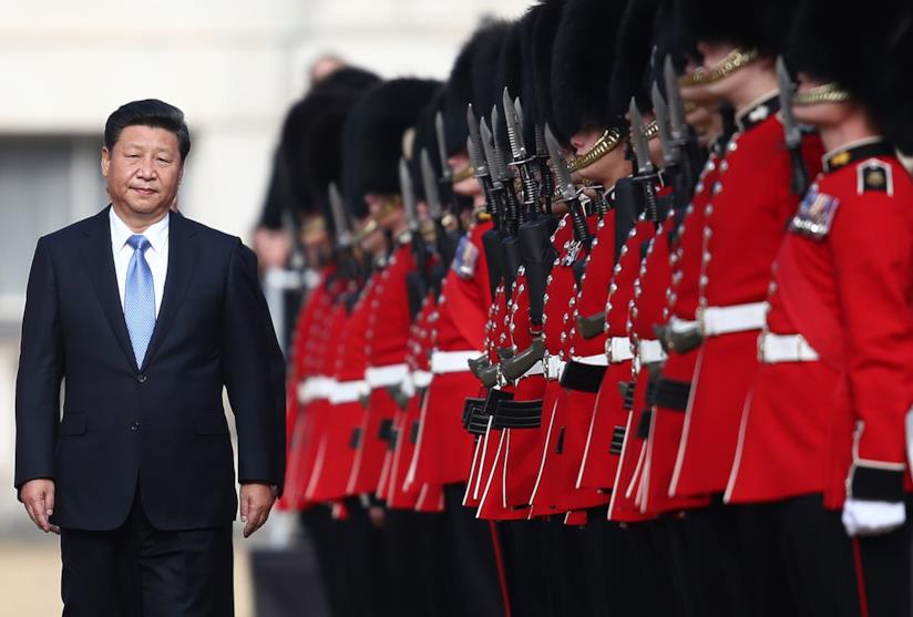 Xi Jinping con le guardie cinese
